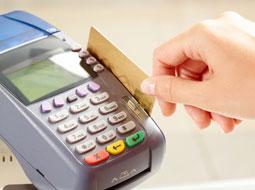 Rozliczenie należności za nocleg w podróży służbowej opłacony kartą płatniczą