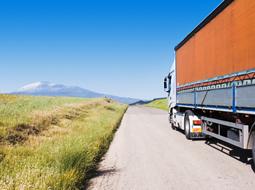 Stawka VAT przy usłudze transportu towarów