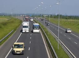 Opłaty elektroniczne za przejazd po drogach krajowych, naliczane w systemie viaTOLL