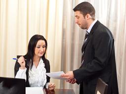 Upływ okresu wypowiedzenia umowy o pracę