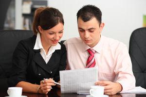 Czy ubezpieczyć wZUS zumowy zlecenia studenta studiów doktoranckich będącego równocześnie pracownikiem?