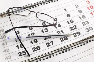 Jak liczyć terminy wprawie pracy?