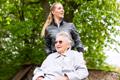 Zasiłek opiekuńczy ztytułu sprawowania opieki nad chorym członkiem rodziny - Zasiłki i inne świadczenia - Składki, zasiłki, emerytury - Portal Podatkowo-Księgowy - GOFIN.pl