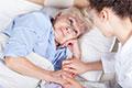 Kiedy opieka nad chorą matką uprawnia do zasiłku? - Zasiłki i inne świadczenia - Składki, zasiłki, emerytury - Portal Podatkowo-Księgowy - GOFIN.pl